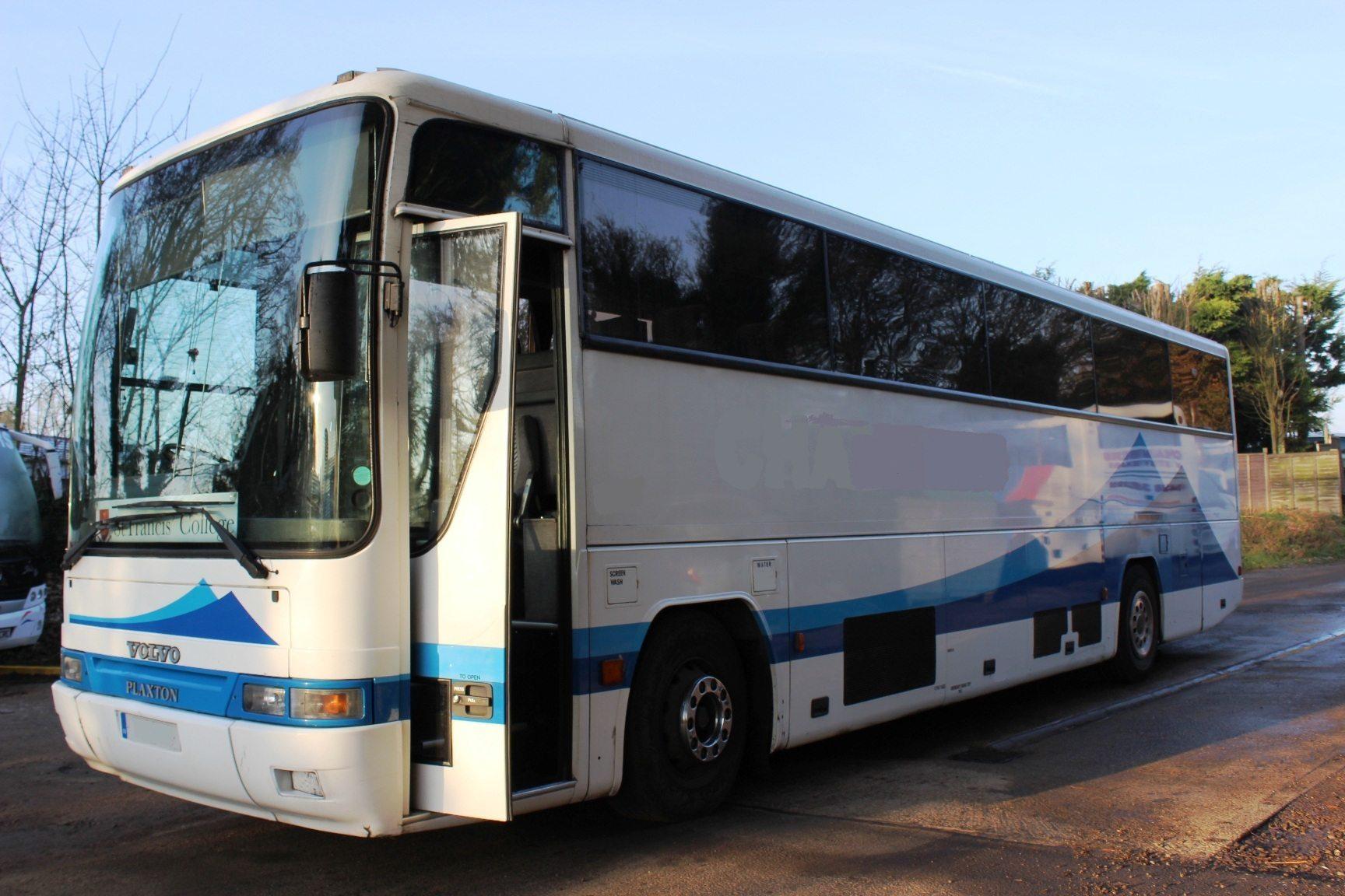 97 VOLVO B10M PLAXTON PREMIER 48 SEATS - Hills Coaches