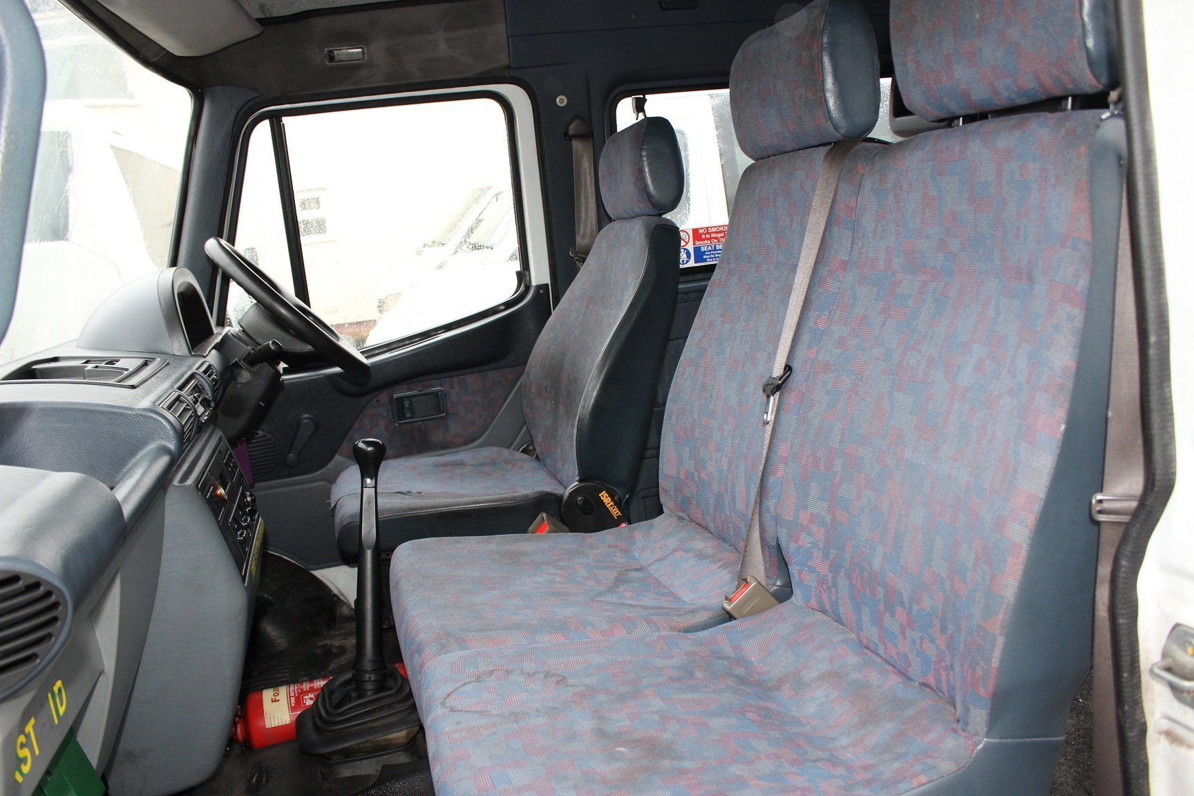 ldv convoy   seats hills coaches
