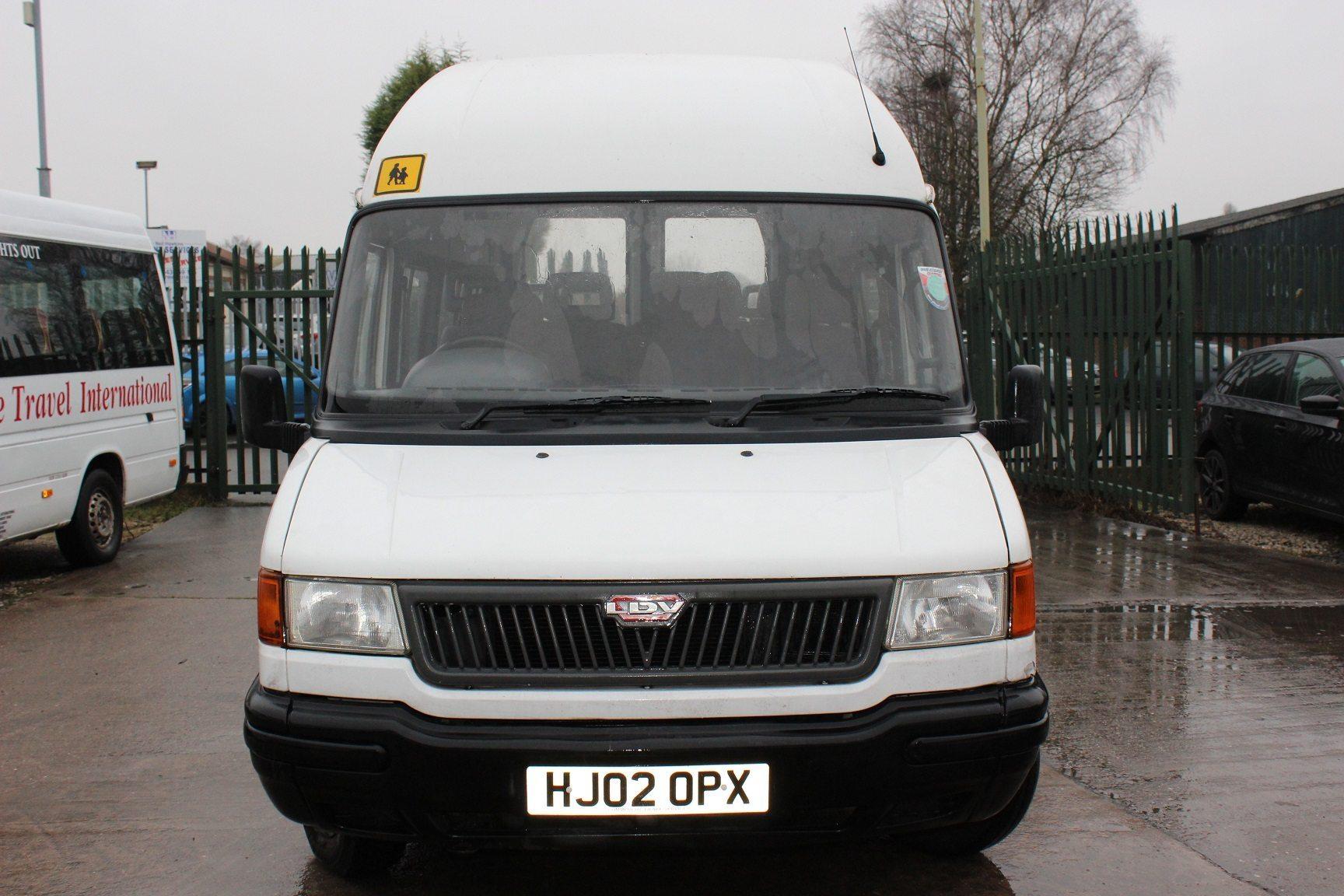 02 Ldv Convoy 400 16 Seats Hills Coaches