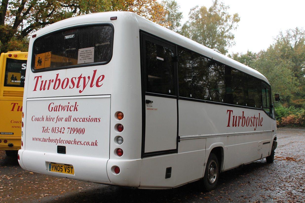 minibus-Mercedes-Benz-12435-13