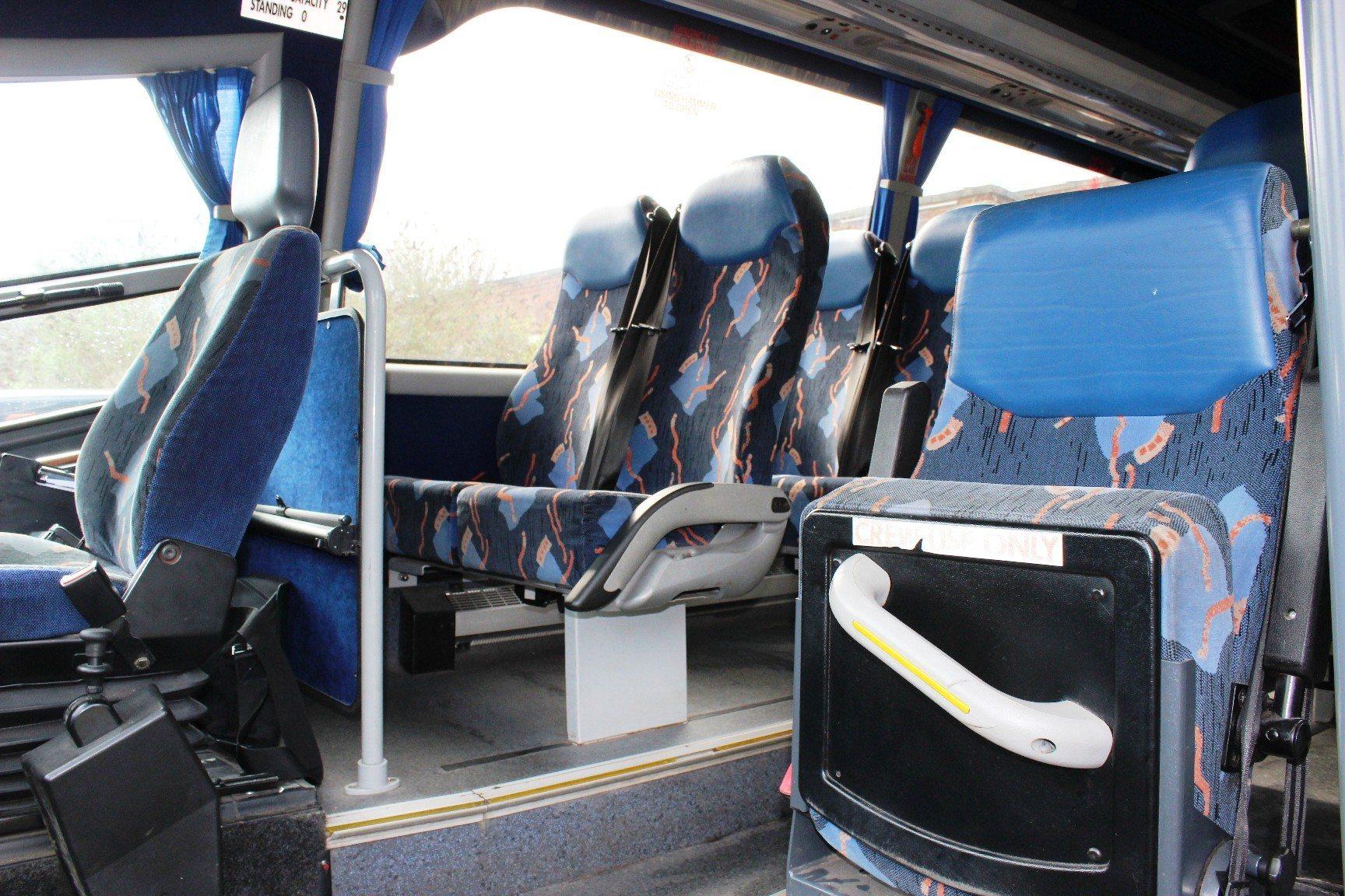 06 Mercedes 815 Unvi Riada 29 Seat Hills Coaches