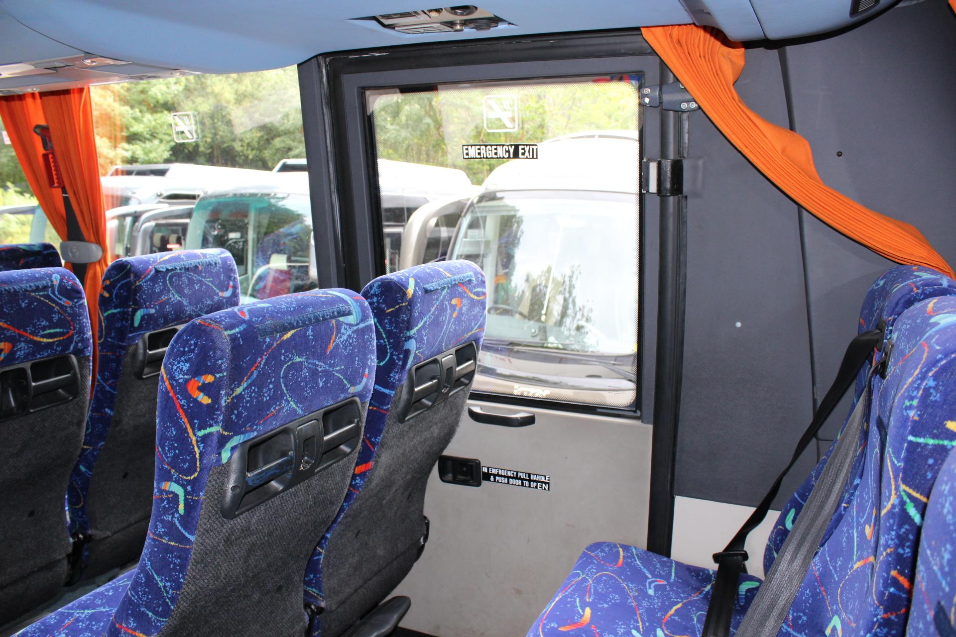 09 VOLVO B7R SUNSUNDEGUI SIDERAL 57 RECLINER - Hills Coaches